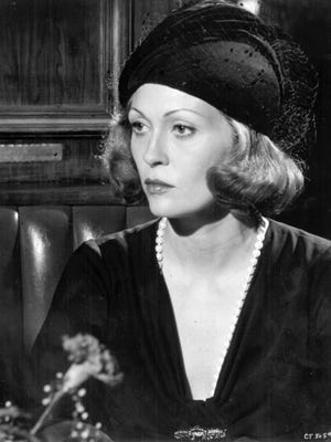 """In 1974's """"Chinatown,"""" Evelyn (Faye Dunaway) is a woman who keeps secrets."""