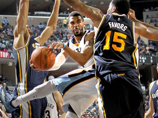 March 03, 2015 - Memphis Grizzlies Mike Conley, center,