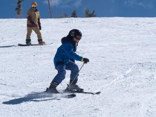 STG 0319 spring skiing 04.jpg