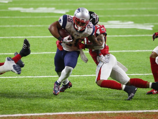 New England's James White scores the game-winning touchdown