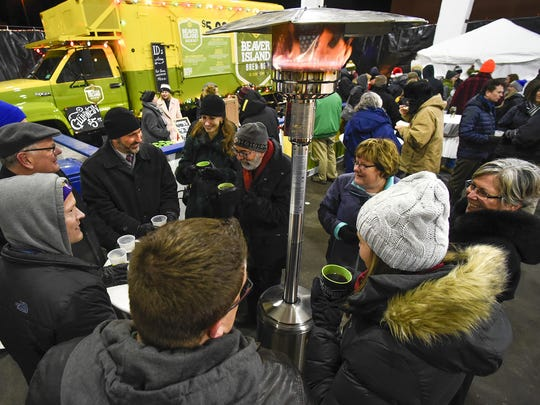 Food, warm drinks and heaters kept the visitors happy at the annual Weihnachtsmarkt in 2016.
