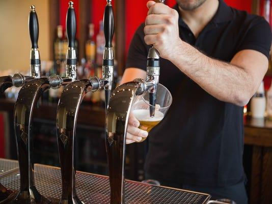 635878527490105146-beersales.jpg