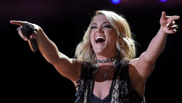 Carrie Underwood performs at the 2016 CMA Music Festival