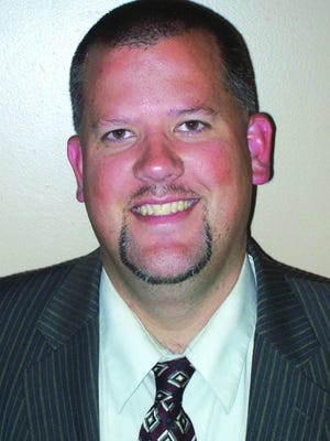 Williamson County school board member Ken Peterson will not run for re-election because of a job relocation.