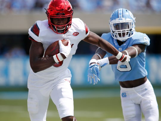 Seth Dawkins runs after a catch vs. UNC in 2017.