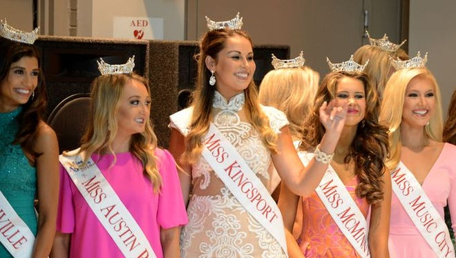 A meet and greet with the 2016 Miss Tennessee contestants was held Sunday at Old Hickory Mall.