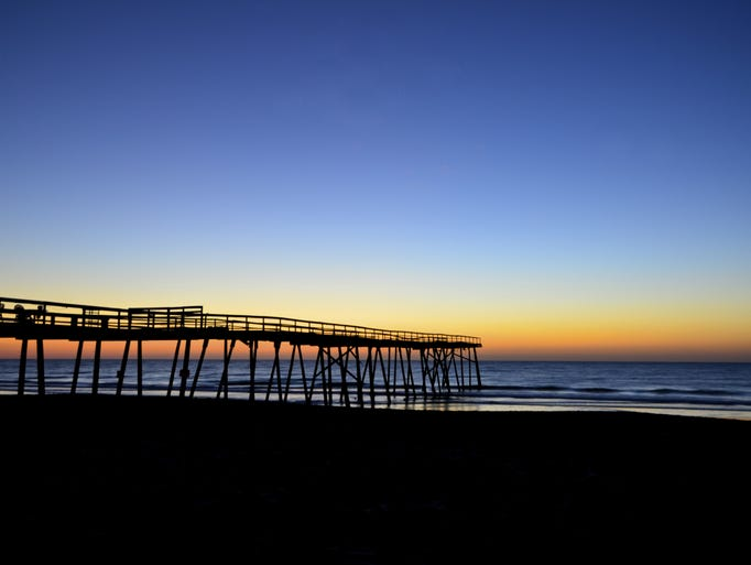 Cast a line on the best fishing piers in the usa for Do you need a fishing license on a pier