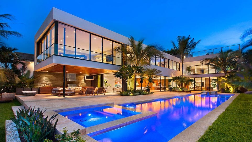Florida: This six-bedroom house in Miami sleeps 12