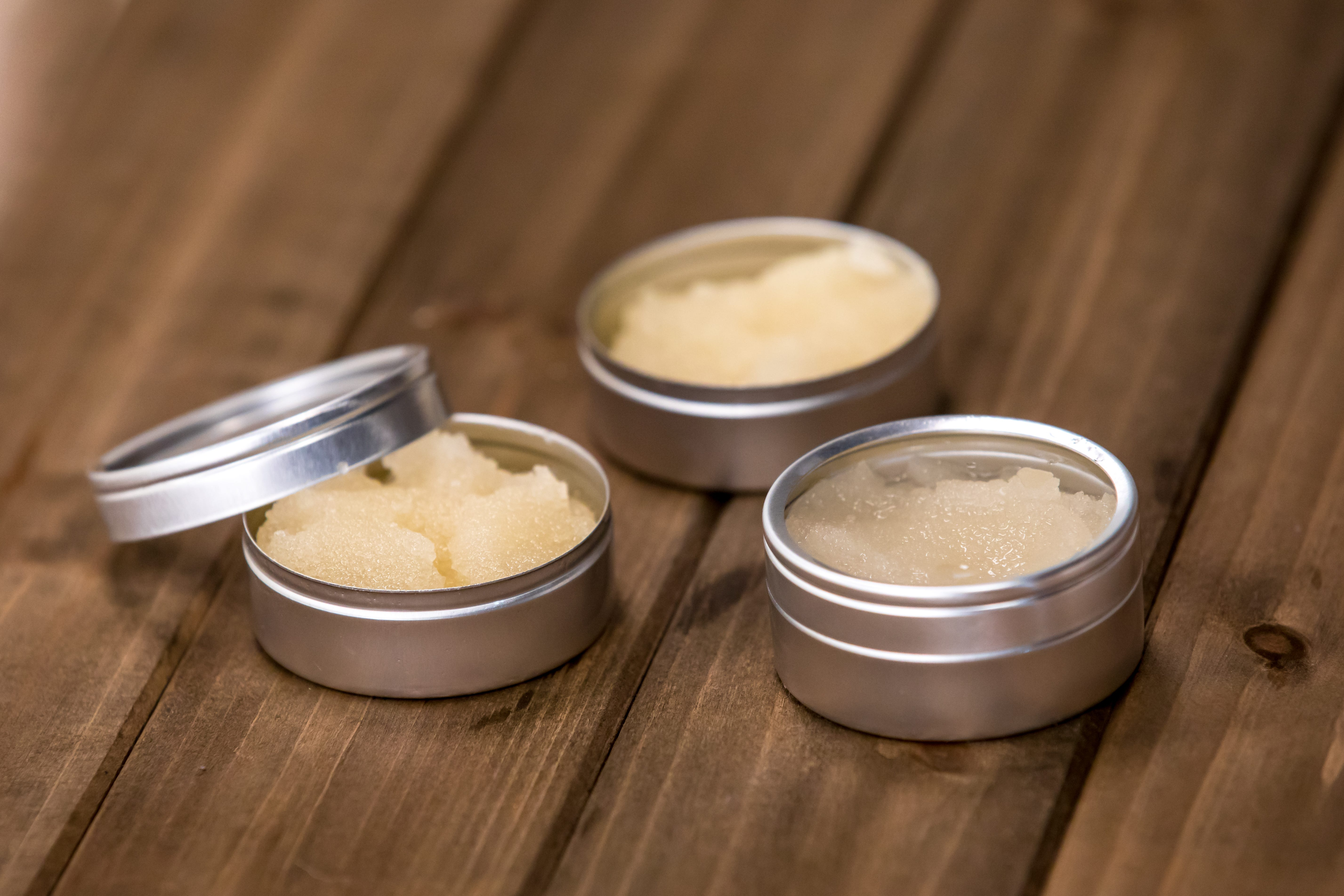 Moisturizing DIY Coconut And Honey Lip Scrub foto