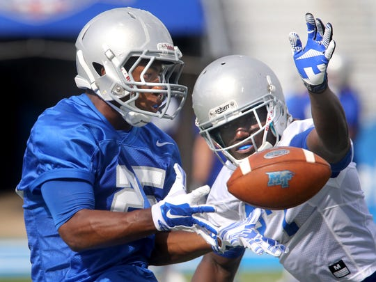 MTSU's Desmond Anderson (25) made the transition from running back to wide receiver.