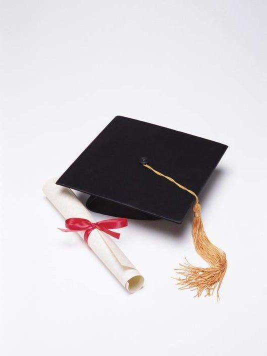 635525165883693845-graduation