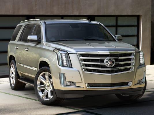2015-Cadillac-Escalade-038