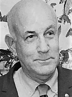 Chronicle Editor Louis Harris.