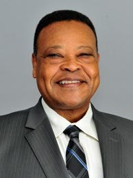The new CEO of the Jackson Municipal Airport Authority is Carl Newman. He recently served as General Manager at George Bush Intercontinental Airport in Houston.