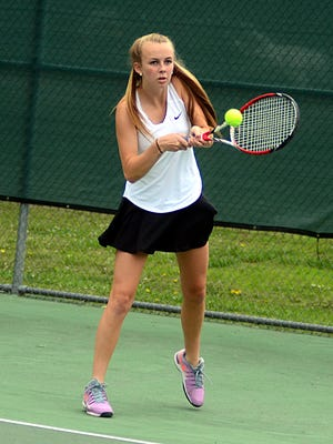 Hendersonville High senior Allison Newell won at No. 2 singles during Thursday's Region 5-AAA championship match at Clarksville.
