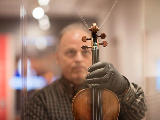 Stradivarius installation