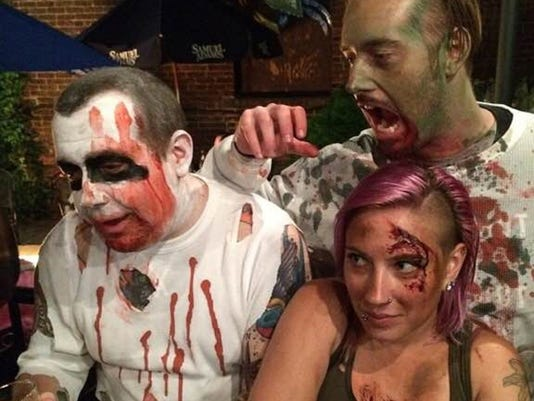 635792310473760318-Zombie-Party