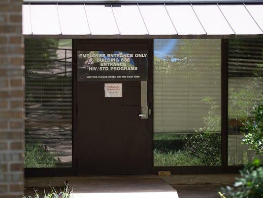 636678738897226271-Texas-Tribune-state-health-agency-Mold-exterior-RZ-TT.jpg