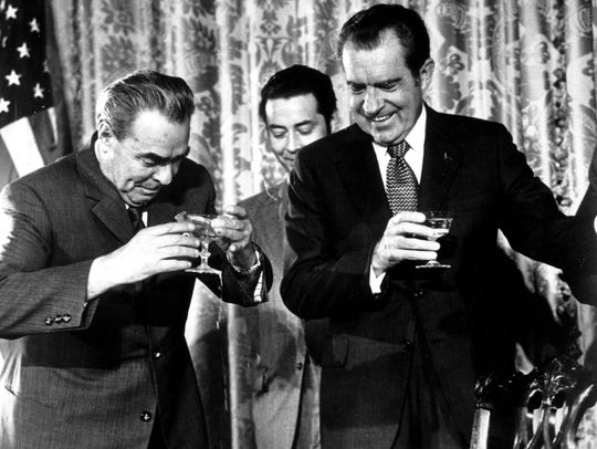 President Richard Nixon and Communist Party leader