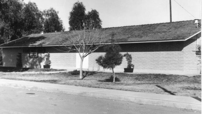 The Gilbert Public Library in 1964.