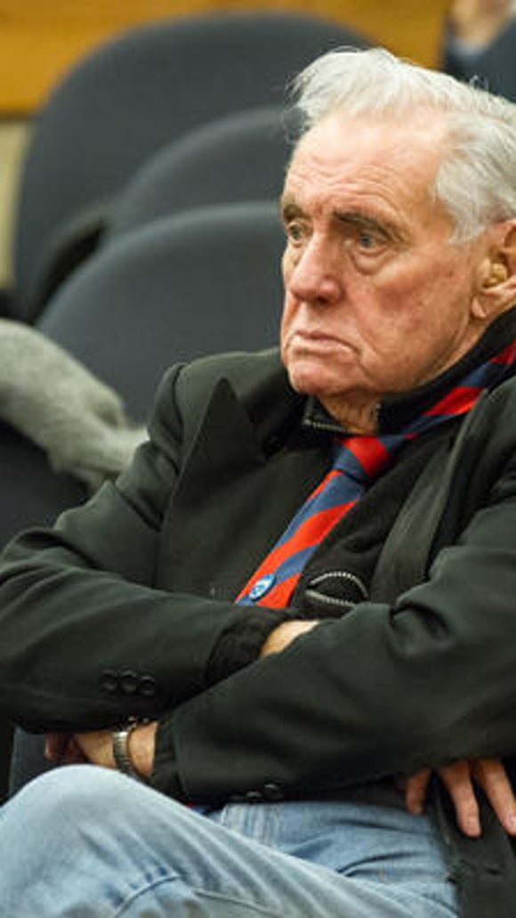 """Longtime political activist John Jay Hooker supports changing Tennessee law to allow doctors to help terminally ill patients commit suicide. Tennessee lawmakers are set to discuss the """"death with dignity"""" legislation Jun 9."""