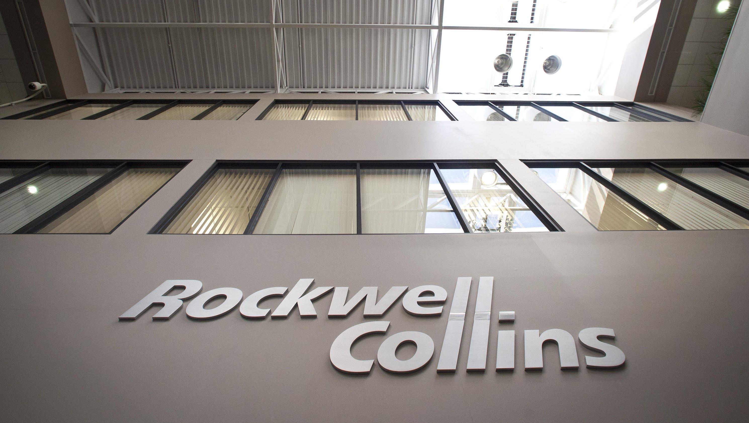 Rockwell Collins buys Florida aerospace firm for $6.4 billion