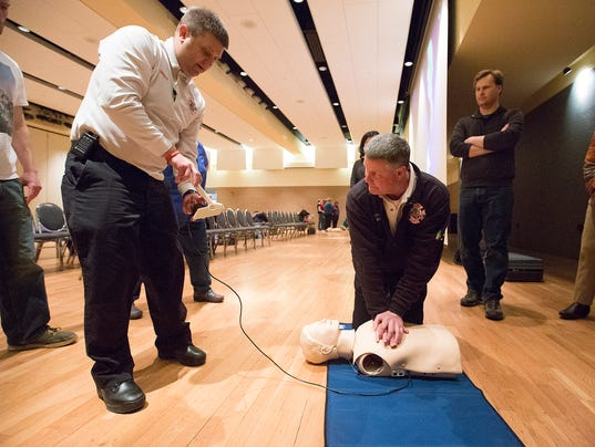 CPR (Photo: Megan McCormick/USA TODAY NETWORK - Wisconsin)