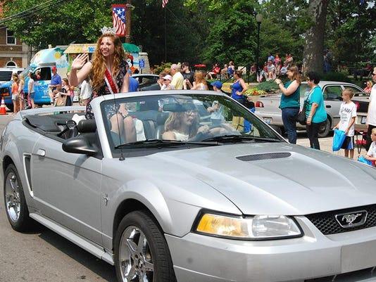 CINBer_07-09-2015_SKK_1_A006--2015-07-07-IMG_Independence_Parade__1_1_89B8UT