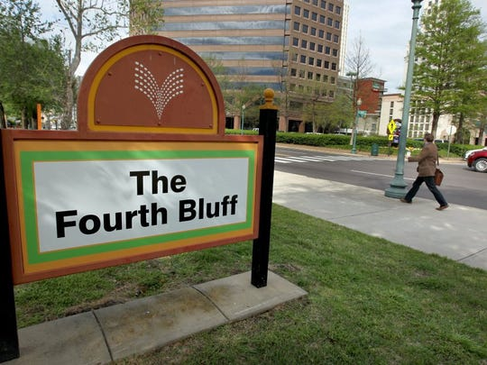 A new sign has been installed at the city park on Front Street between Court and Jefferson Avenue.
