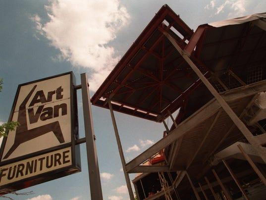 Art van paul's tv deals