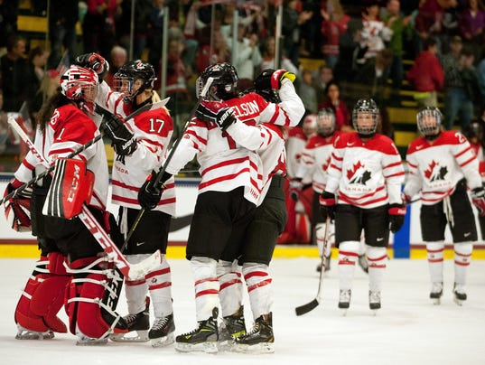 2013-10-13-team-canada-wins