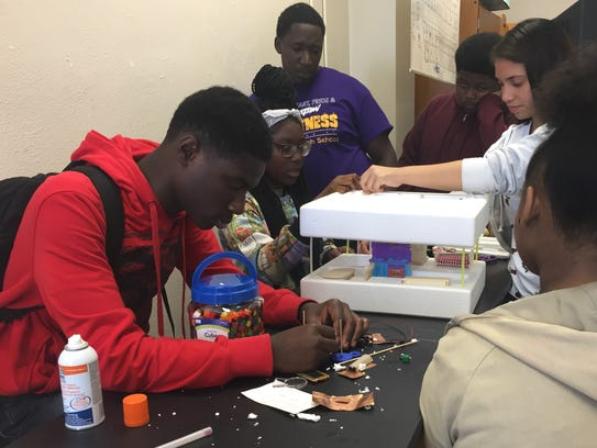 Wossman High School students led by teacher Ortadius