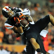 Sep 20, 2014; Corvallis, OR, USA; Oregon State Beavers wide receiver Rahmel Dockery (88) catches a 49 yard pass in the second quarter against the San Diego State Aztecs at Reser Stadium. Mandatory Credit: Susan Ragan-USA TODAY Sports