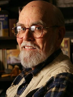 Miller Williams who read a poem at former President Bill Clinton's 1997 inauguration has died. He was 84. Williams died Thursday night at Washington County Regional Medical Center of complications from Alzheimer's disease, family friend Linda Sheets said Friday.
