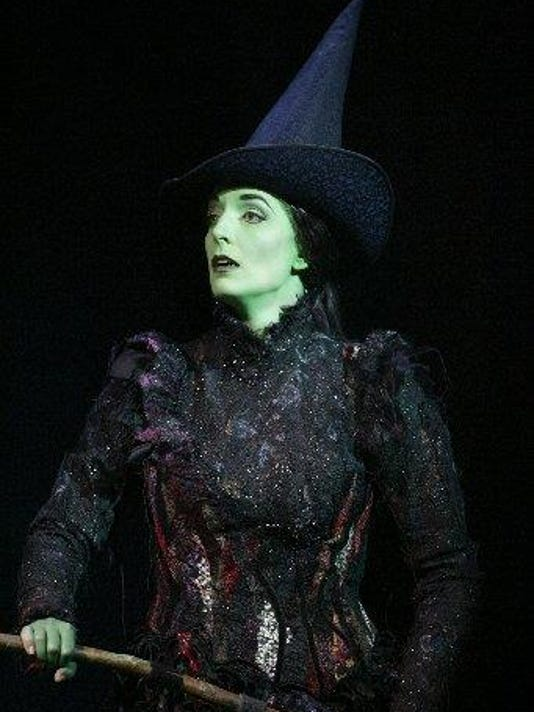 635936462031660461-Julia-Murney-as-Elphaba-1-06.jpg