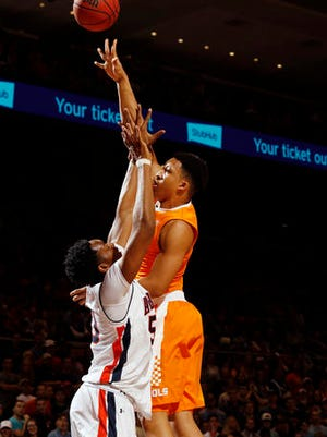 Tennessee forward Grant Williams (2) shoots against Auburn's Austin Wiley in the first half of their NCAA college basketball game on Tuesday, Jan. 31, 2017 in Auburn, Ala.
