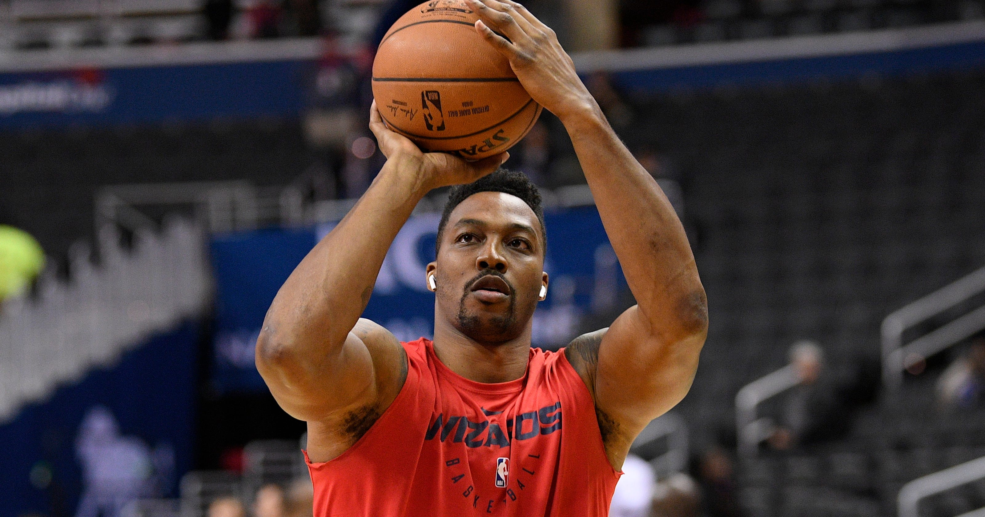 a167ad4a9 Dwight Howard sits out Wizards  opener with sore buttocks