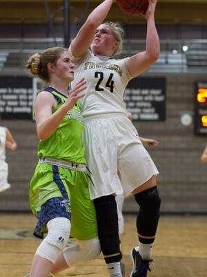 Desert Hills advances with a 65-43 victory over Ridgeline Saturday, Feb. 18, 2017.