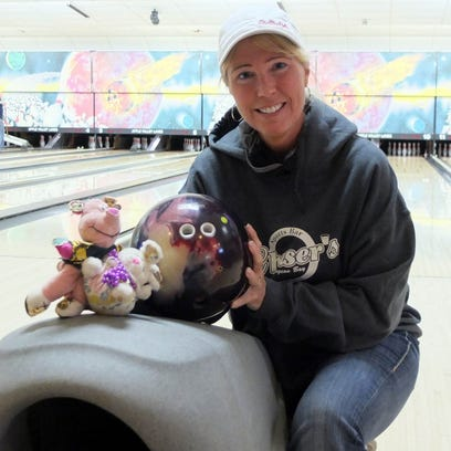 Tracy May 'pops' her first 700 series, breaks women's county record