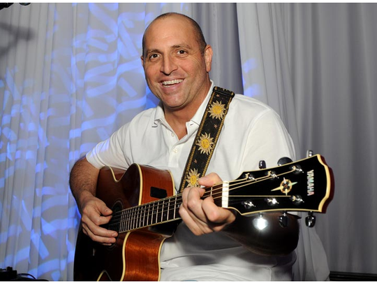 Singer-guitarist Rick Arzt will play Wednesday, Aug. 9, at Bluecoast in Rehoboth Beach.