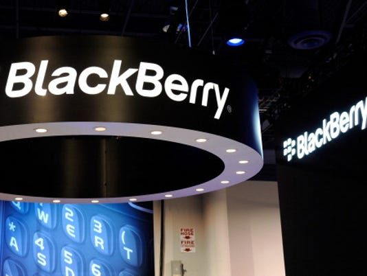 BlackBerry shares stomped by smartphones