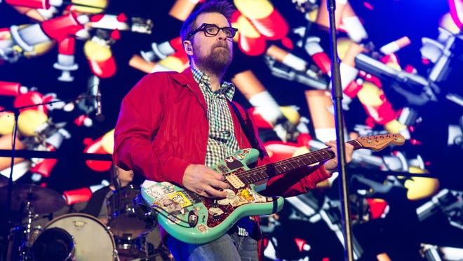 "Rivers Cuomo and Weezer will be saluted during ""New Year's Weez"" at Radio Radio on New Year's Eve."