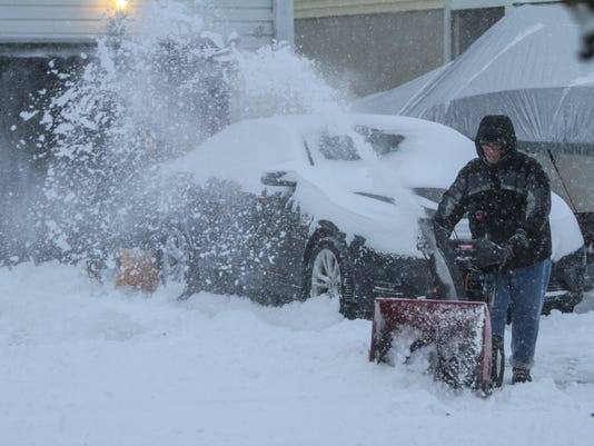Live updates: Blizzard a bust, but storm disrupts state
