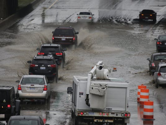 636160411430558133-highway-flood-re-1-.jpg
