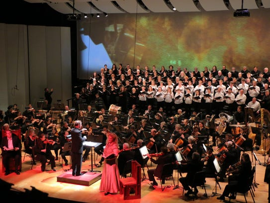 """Elgar's """"The Dream of Gerontius"""" featured subtle projections"""