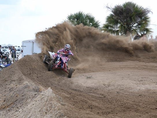 Riders will compete in dirt races Sunday in Lehigh