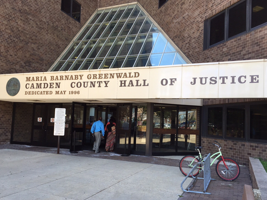 An appeals court has ordered a state judge in Camden to reconsider an inmate's request for a new trial.