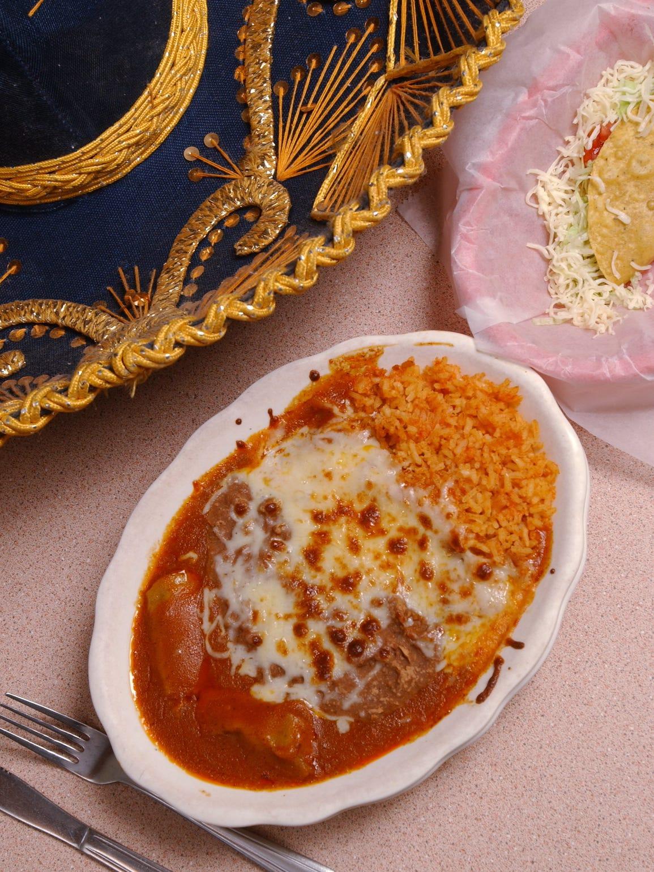 A 2005 photograph of a Mexican Villa combination platter,