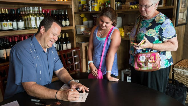 David Venable greets fans at Salt Air restaurant in Rehoboth on Monday.