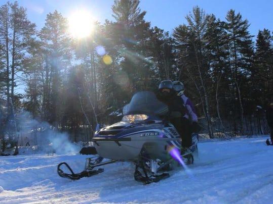 Snowmobiling2.jpg